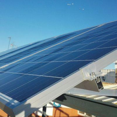 Instalacion autoconsumo fotovoltaica de 1,86 kW