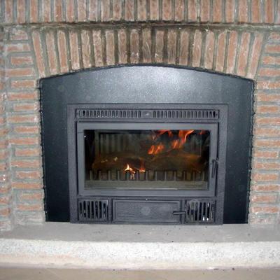 Instalación de Casette en chimenea abierta artesanal con dintel curvo