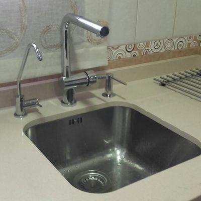 Instalación de grifo para osmosis