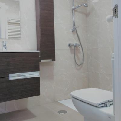 Reforma completa de baño en Poio