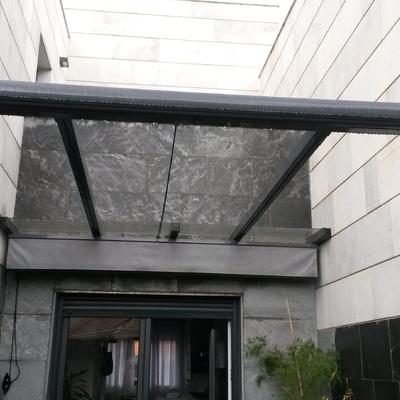 Pergola de aluminio y ventana