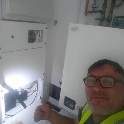 instalacion IRIS FIBRE antena comuntaria Multiswitch para equipos por satélite.UK CANARY WARF LONDON