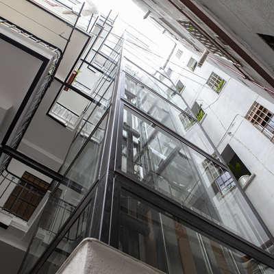 Instalación ascensor por patio en Madrid