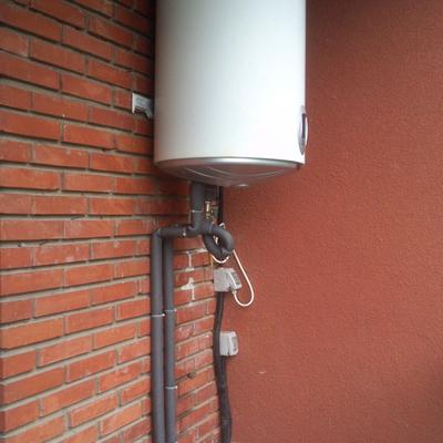 Precio fontaneros barcelona habitissimo - Termo de agua electrico ...