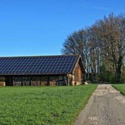 Instalación de placa solar térmica para agua caliente sanitaria