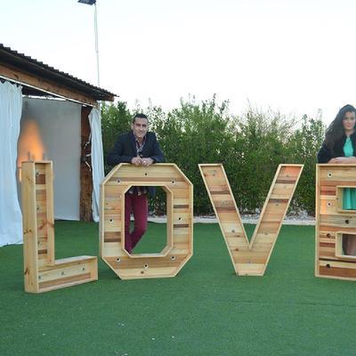 Letras de madera con luz para bodas y eventos