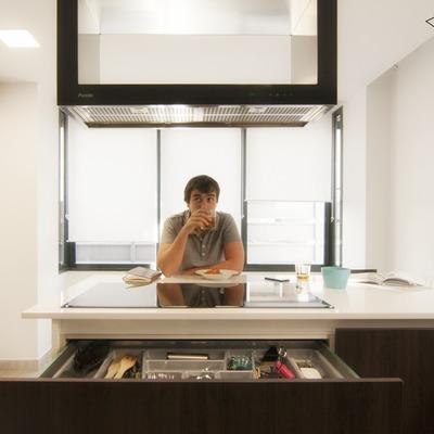La cocina de Pablo y Esther por emmme studio