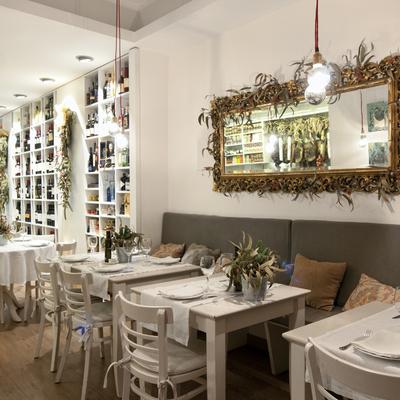 Reforma Tienda/ Catering/ Restaurante La Despensa de Laforja
