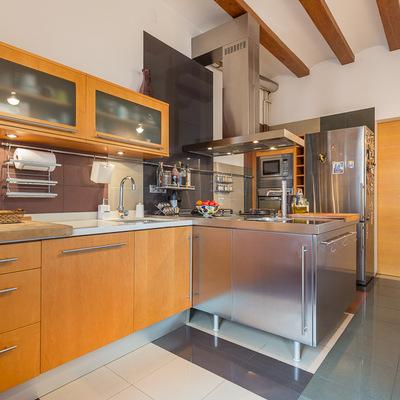 La separación entre cocina y comedor