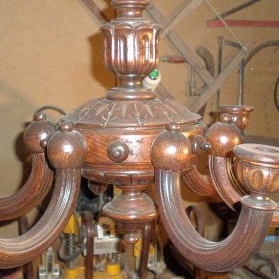 Lámpara de madera de caomina