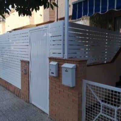 Cerramiento patio exterior.
