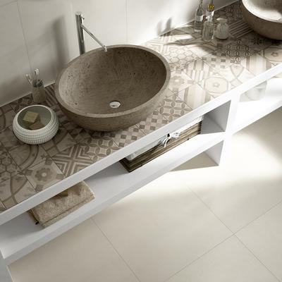 Cómo sacarle partido a tu baño largo y estrecho