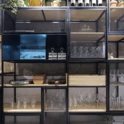 Le Streeter, detalle estantería almacenamiento