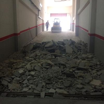 Demolición y ejecución de rampa en garaje
