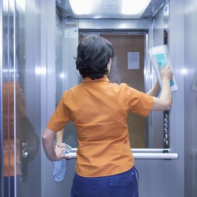 Servicio de Limpieza y Mantenimiento de Comunidades