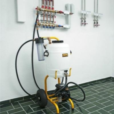 Limpieza de instalaciones de suelo radiante de agua