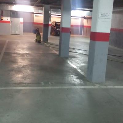 Limpieza de garajes con hidrolimpiadora, Madrid.
