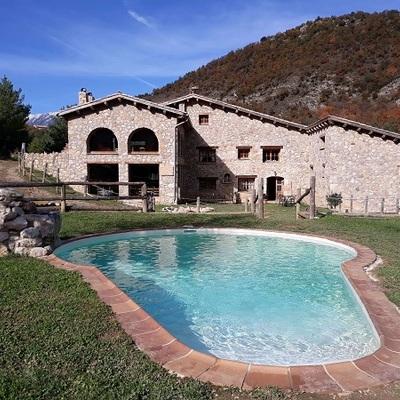 Reparación de piscina en casa rural
