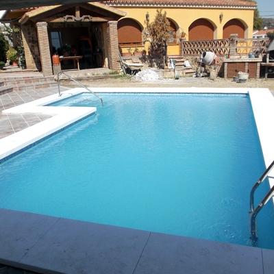 Precio construcci n piscinas en m laga habitissimo for Construccion de albercas precios