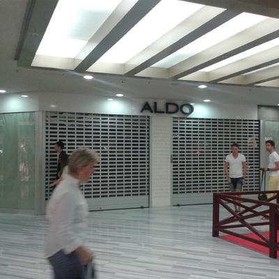 Local tiendas de zapatos en Centro Comercial Las Arenas