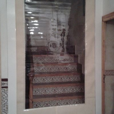 Instalación de cortina aislante separadora motorizada en Albacete