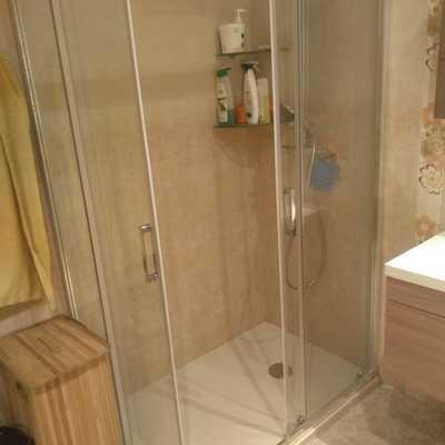 Cambio de plato de ducha y mampara