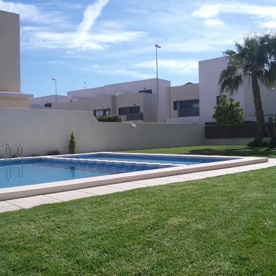 Mantenimiento de jardinería y piscinas
