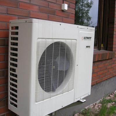 Instalación de dos máquinas de aire acondicionado en el exterior