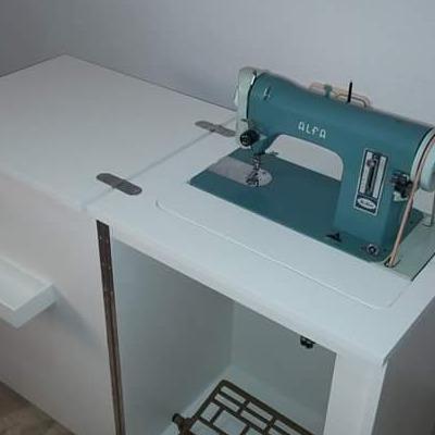 Recreación antigua máquina de coser