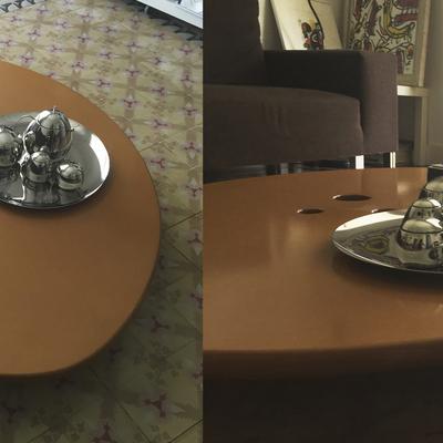 Mesa baja movible.