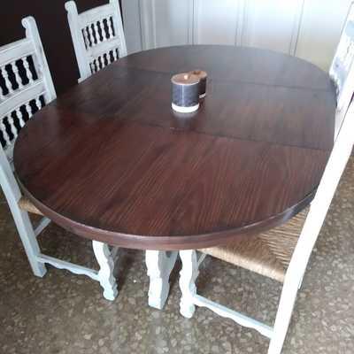 Pintado efecto envejecido mesa y sillas