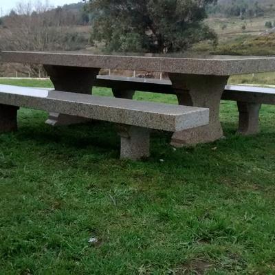mesa en jardn