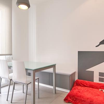 mesa y banco de office - posición 1