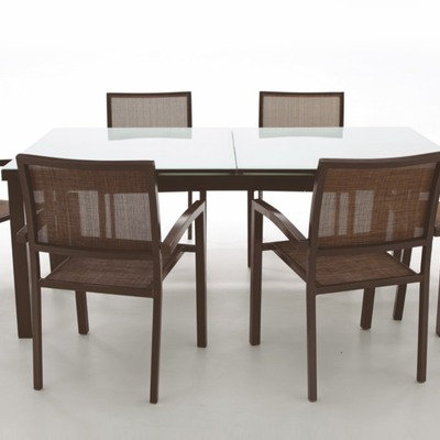 Mesas y sillas para el jardín, un rincón para disfrutar