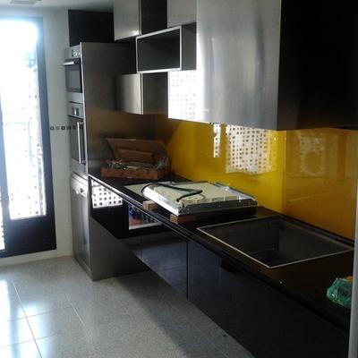 Instalación Mobiliario De Cocina Diseñado Por Los Clientes
