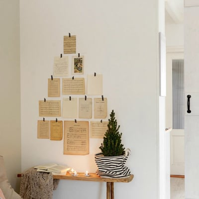 Una cabaña preparada para pasar la Navidad