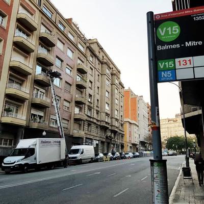 Mudança amb plataforma elevadora a Barcelona