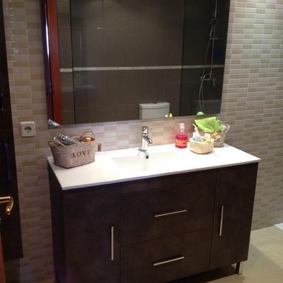Ideas y fotos de muebles en tarragona para inspirarte for Mueble lavabo 120 cm