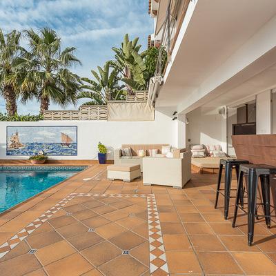 Muebles contemporáneos para la piscina