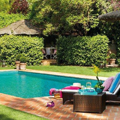Ideas y fotos de muebles piscina para inspirarte habitissimo for Muebles para piscina
