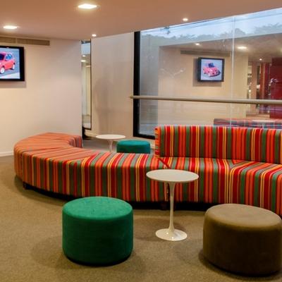 Ideas y fotos de pufs verdes para inspirarte habitissimo for Muebles de oficina ourense