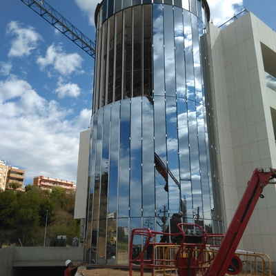 Muro cortina en Hospitalet, Barcelona