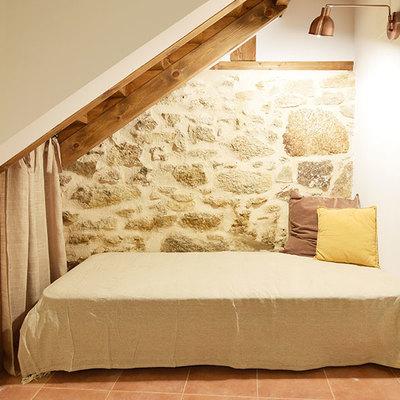 Muro de piedra original restaurado