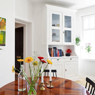 Pintar de blanco tanto las paredes como las puertas