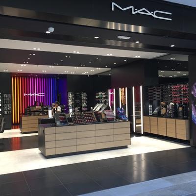 Reforma nueva tienda MAC en La Maquinista