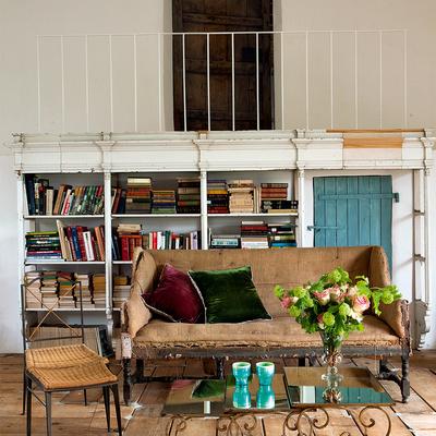 Casa rural con muebles reciclados