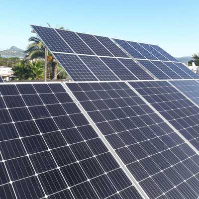 Instalación Aislada 9 kW con 24kWh de baterias