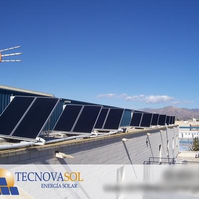 Instalación solar térmica para climatización de la piscina cubierta del Ayuntamiento de Cox