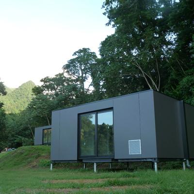 Instalación de bungalows en Martinica (Antillas Francesas)