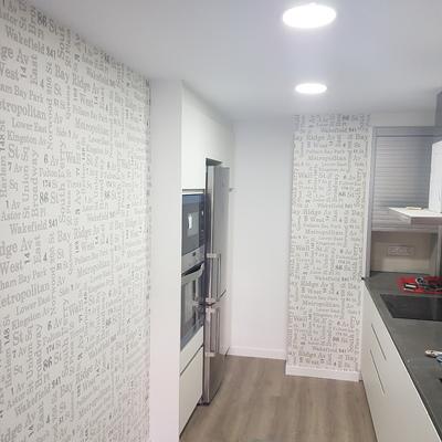 Colocación parket ,pintado de puertas , papel  y pintado general dr las estancias